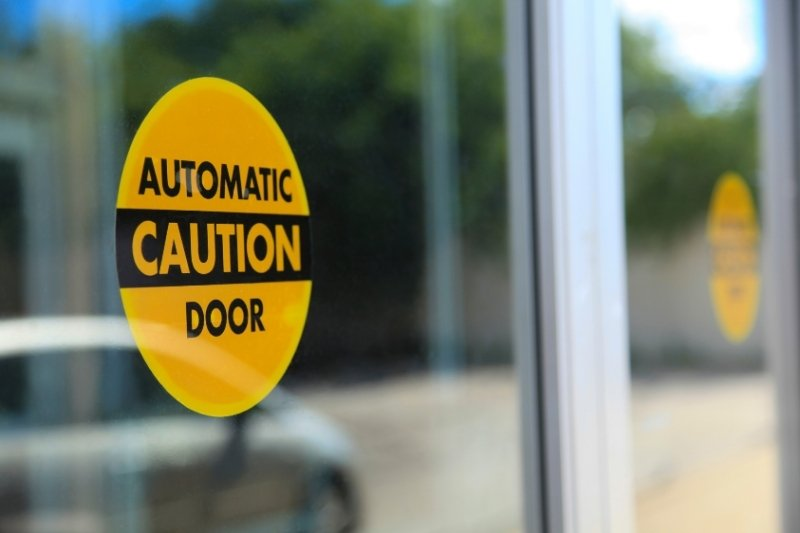 automatic doors for buildings