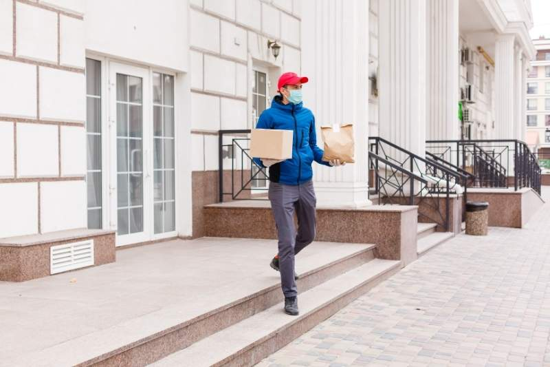 How Apartment Buildings Can Safely Manage Food Deliveries in 2021