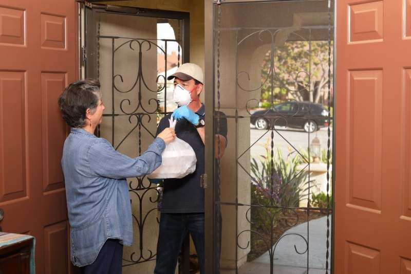 direct-to-door apartment food delivery