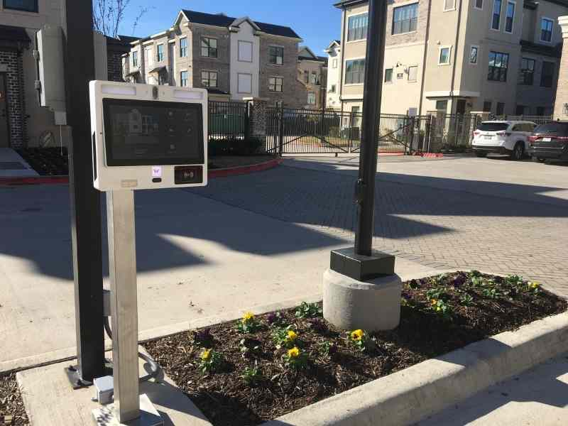 gate intercom system with camera reduces tailgating at gated communities