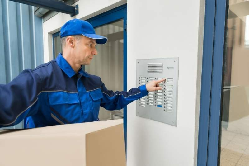 multi-tenant commercial intercom for deliveries