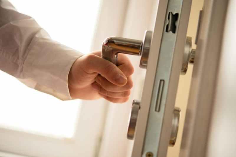 intercom system for business door release