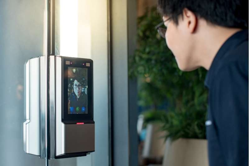 facial recognition touchless access control