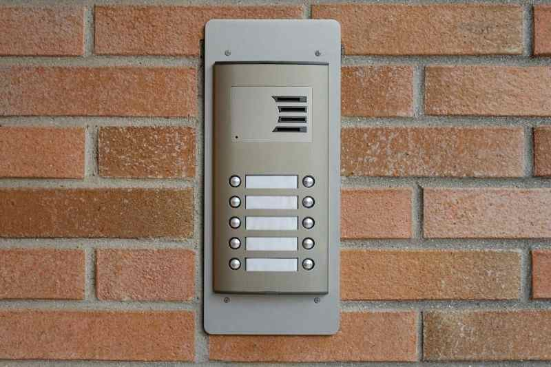 Door Call Box: 5 Reasons to Ditch Your Current Building Entry System