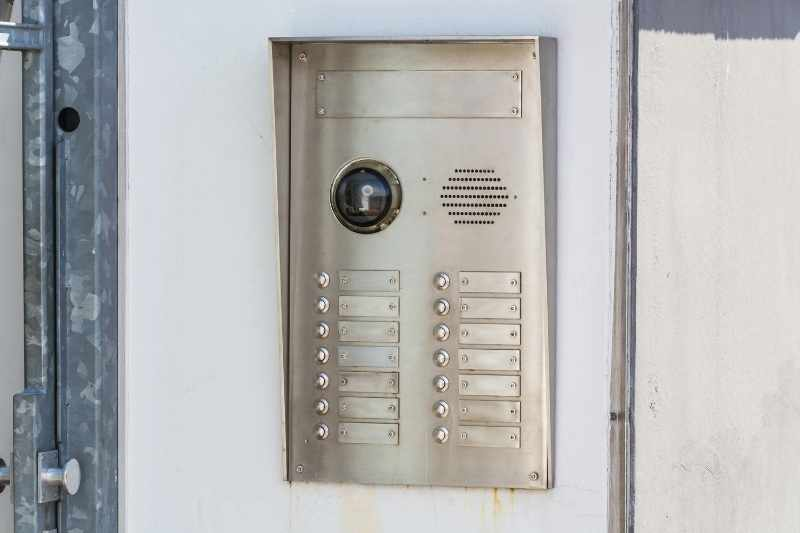 Door Buzzer System with Camera: Choosing One for Your Building