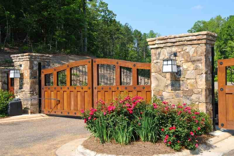 options for hoa gate access control